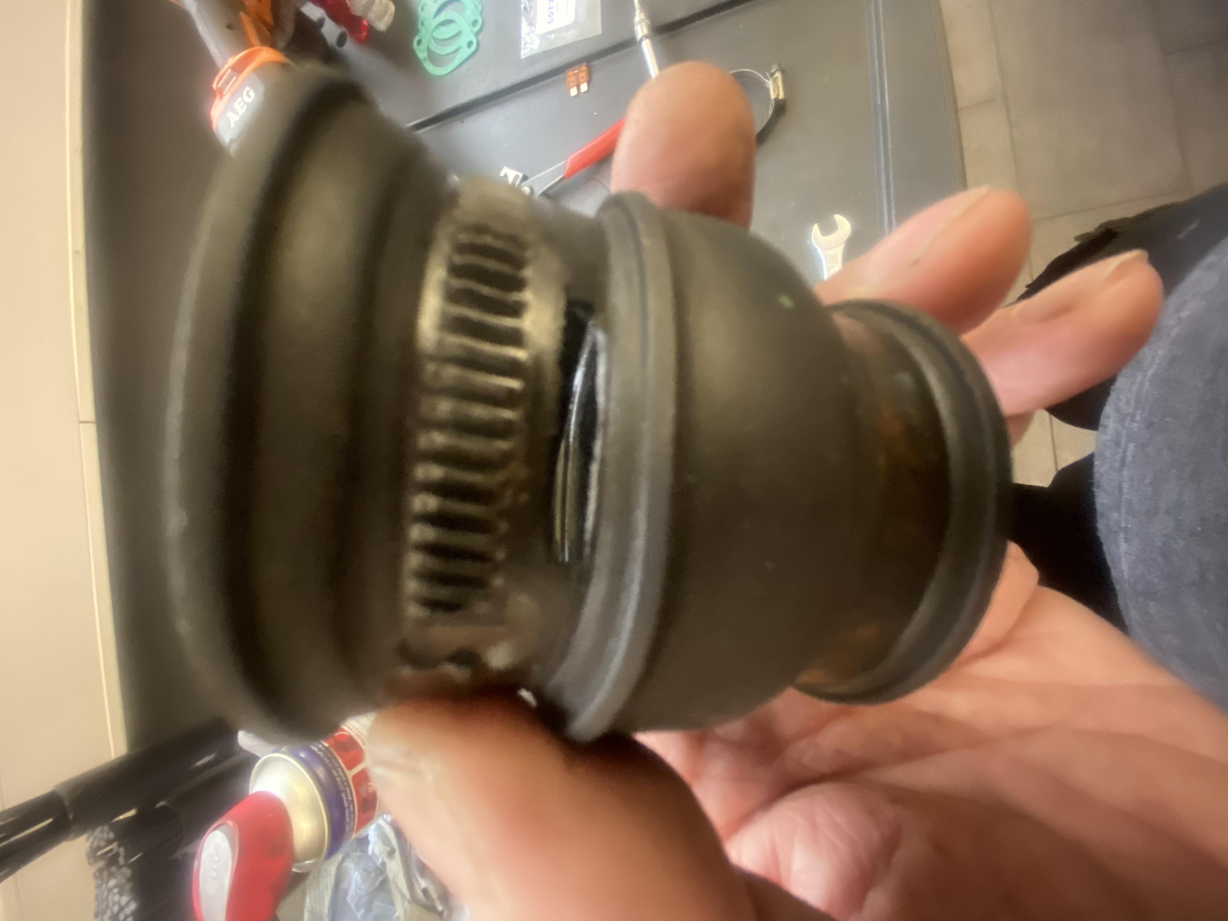 Schwankende Leerlaufdrehzahl und schlechte Gasannahme an einem Alfa Romeo V6 Busso Motor