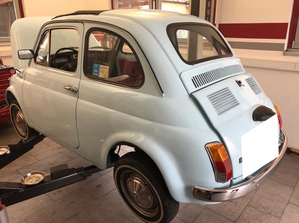 Fiat 500 Oldtimer zur Inspektion und Wartung